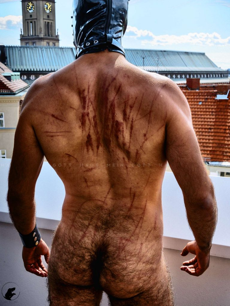 Whipping whips marks on back blood on LeatherBigWolf muscled body BOSS Berlin